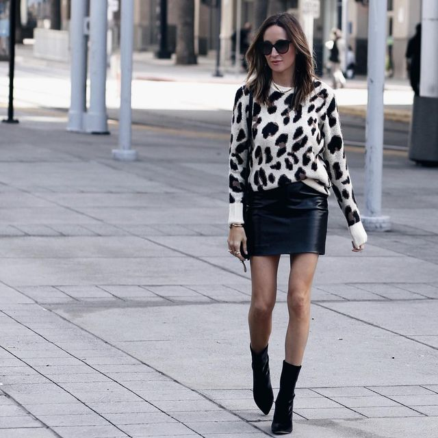 Black pencil skirt outfits | Short black skirt outfits