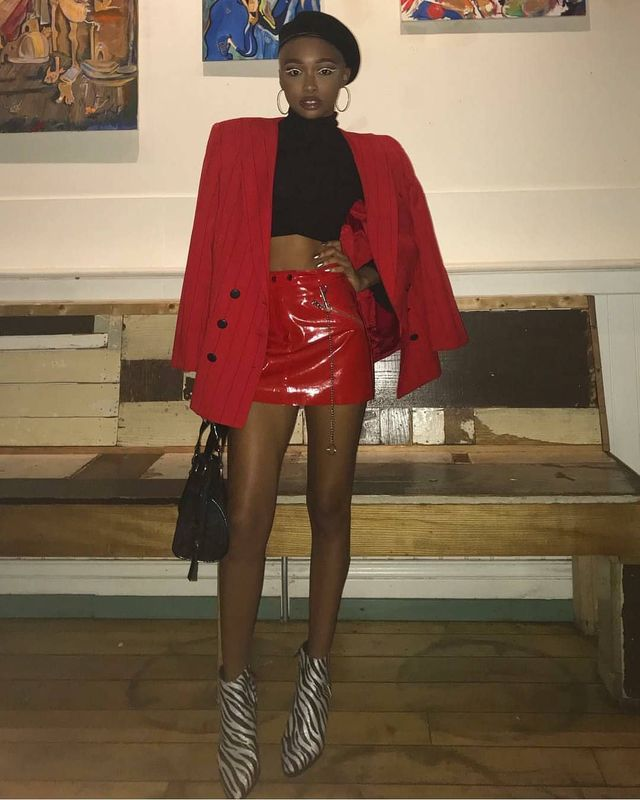 Short red leather skirt outfit