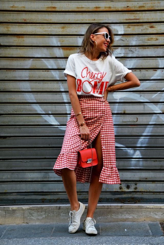 Summer outfits for teenage girl | Casual outfit with sneakers and casual skirt