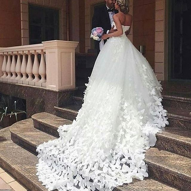 Best Wedding Dresses | Bride dresses with long trains