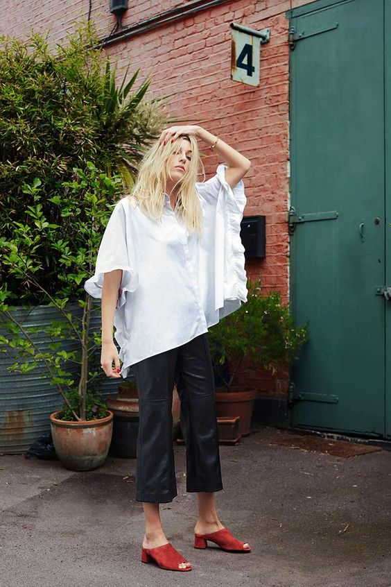 What Top To Wear With Culottes | Less baggy culottes look gorgeous with oversized white T-shirt