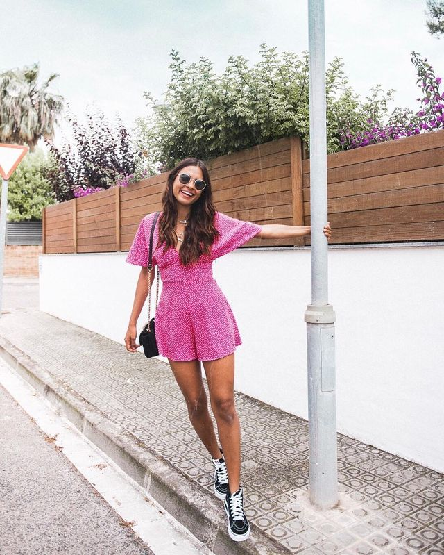 How to wear short rompers with converse