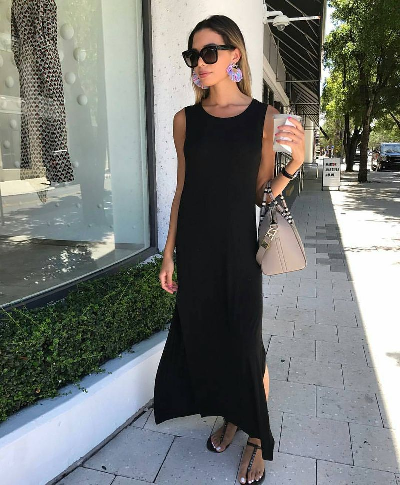 Unfussy yet elegant sleeveless maxi dress for a club outfit without heels