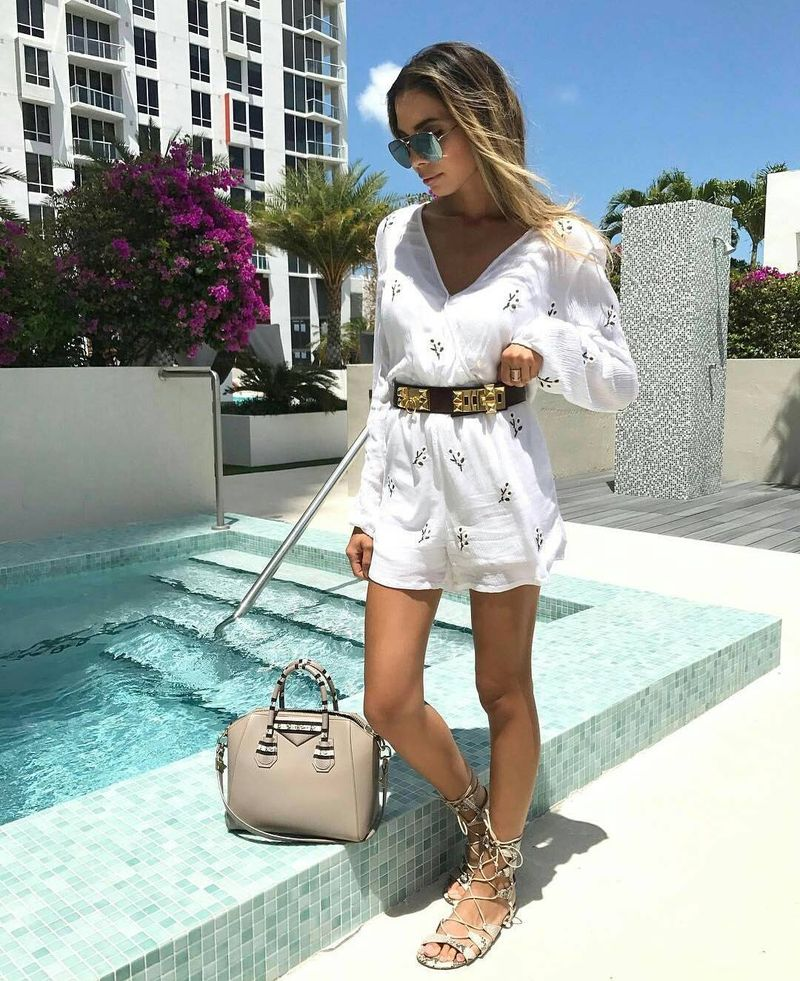 Summer club outfit with breezy romper and without heels
