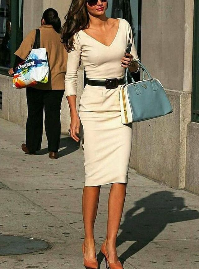 How to dress for a date | How to dress for a date after work