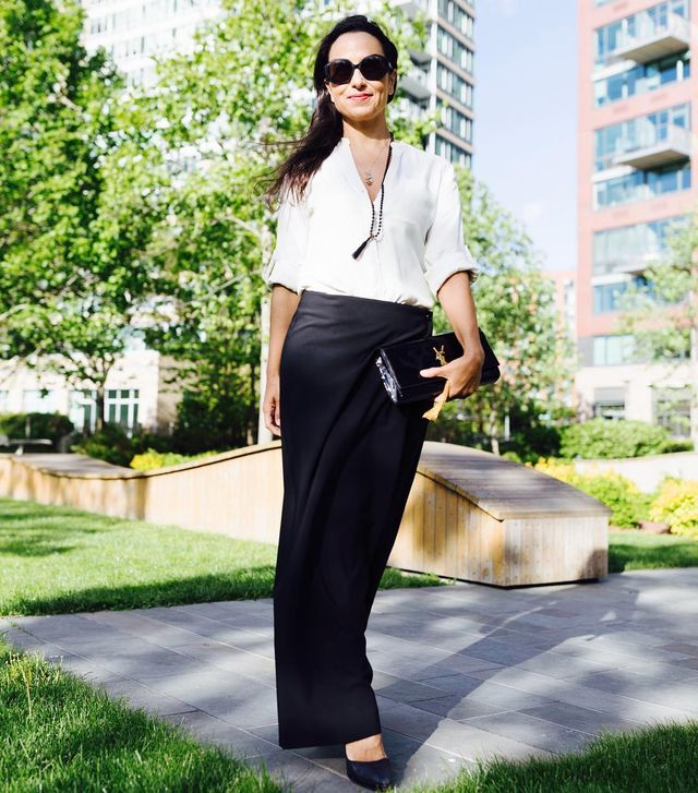 Long skirt Outfits for Summer | What to wear with a black maxi skirt summer