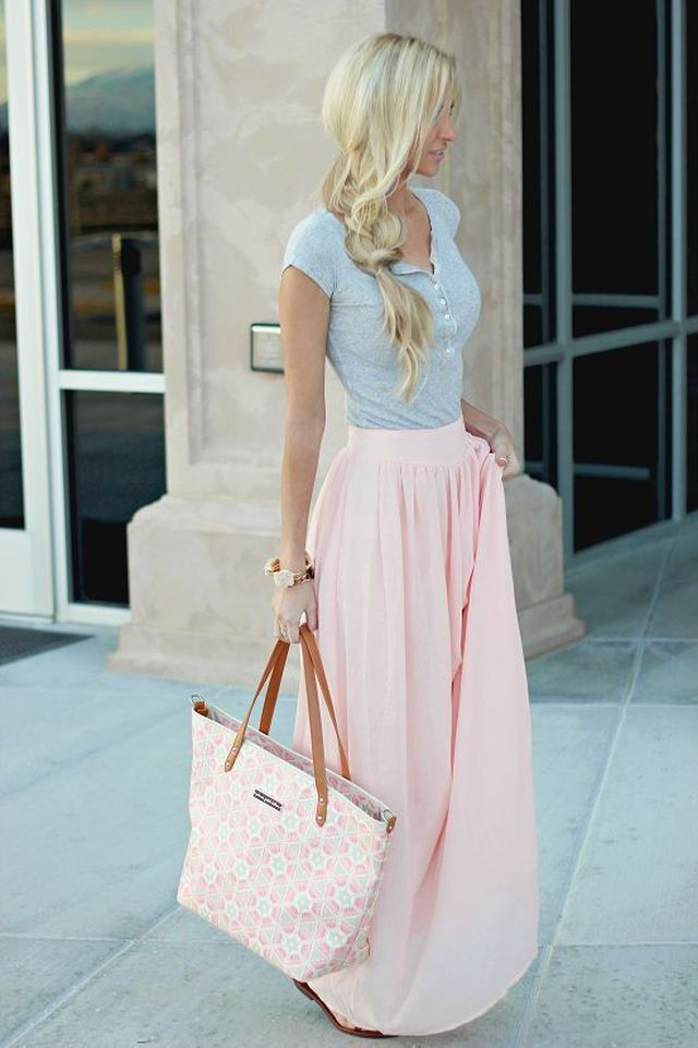 Long skirt Outfits for Summer | What to wear with a maxi skirt
