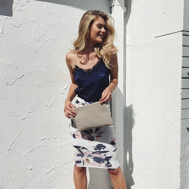 Pencil Skirt Outfits | How to wear the pencil skirt in summer
