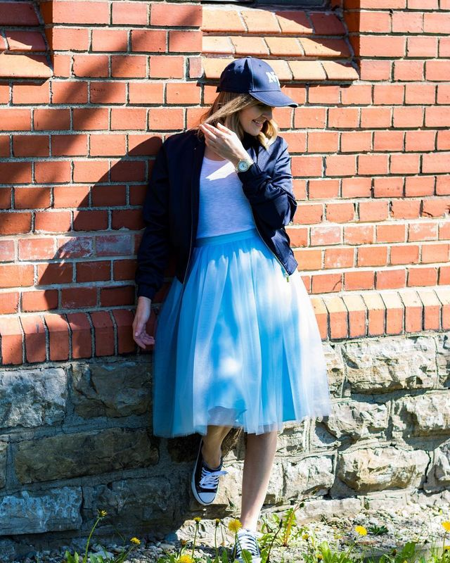 Summer skirt outfits | Stylish women are wearing tulle skirts