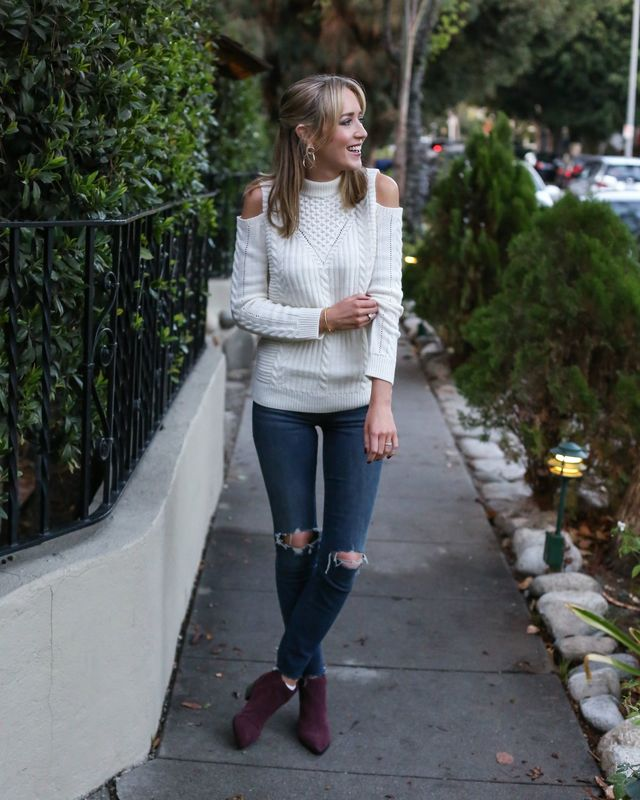 Winter first date outfits with ripped skinny jeans