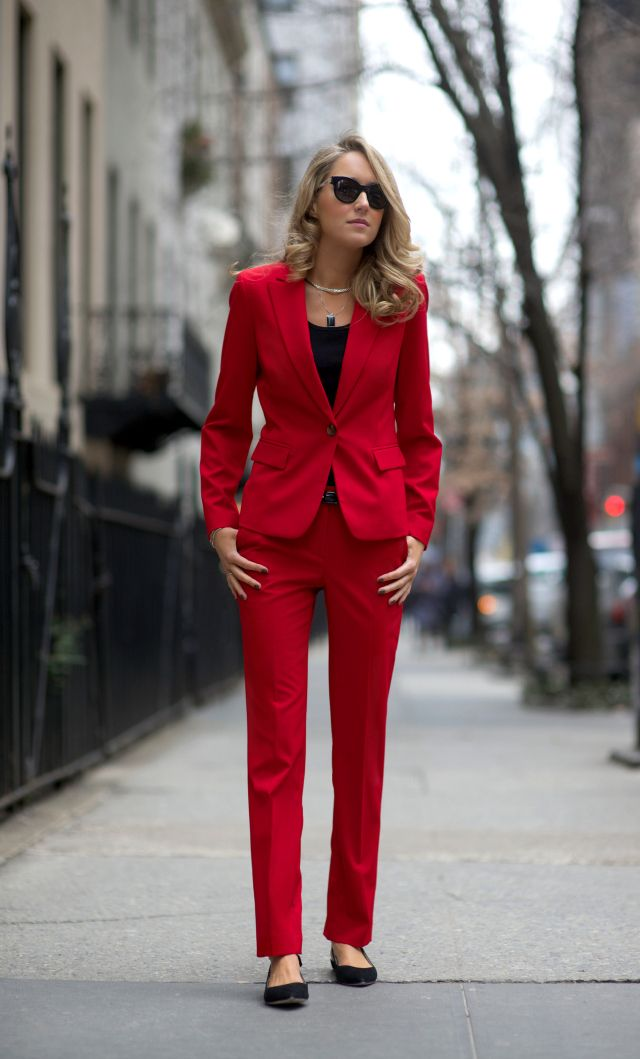 What A Woman Should Wear On A First Date | What to wear on a first date straight from work