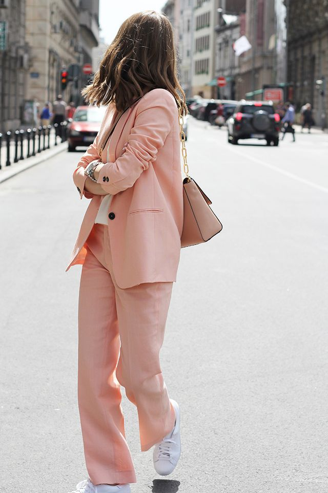 Pink suit for the ofice wear in spring or summer