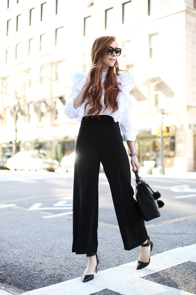 Culottes with a white shirt for a business casula outfit in spring