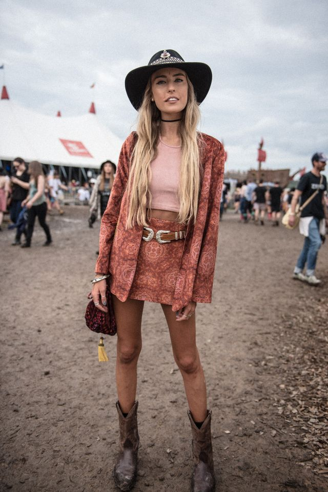 Chic western summer festival outfit with crop top