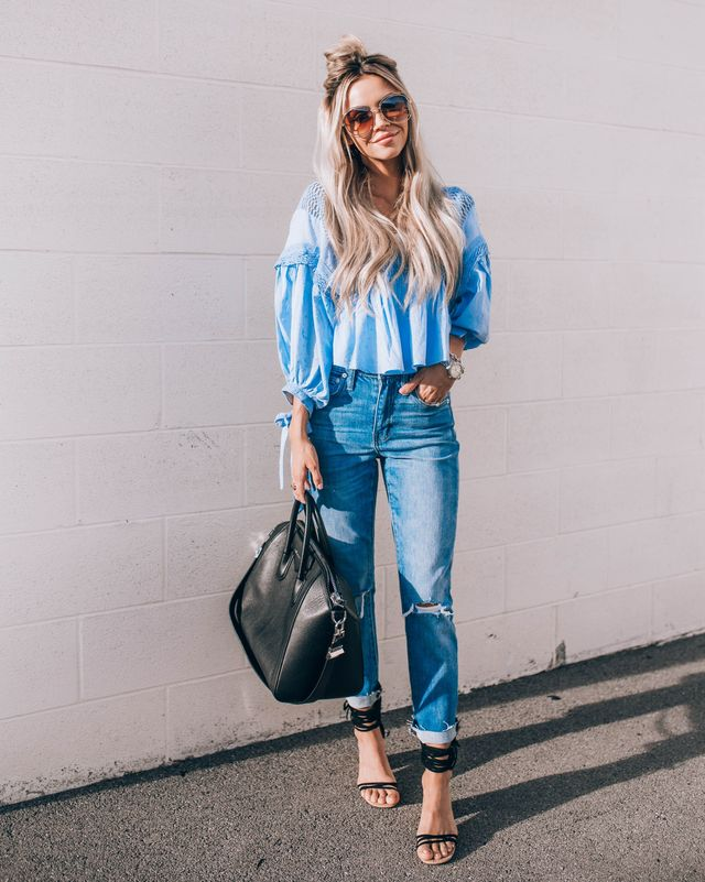 Casual summer outfits with high waisted jeans and strappy sandals