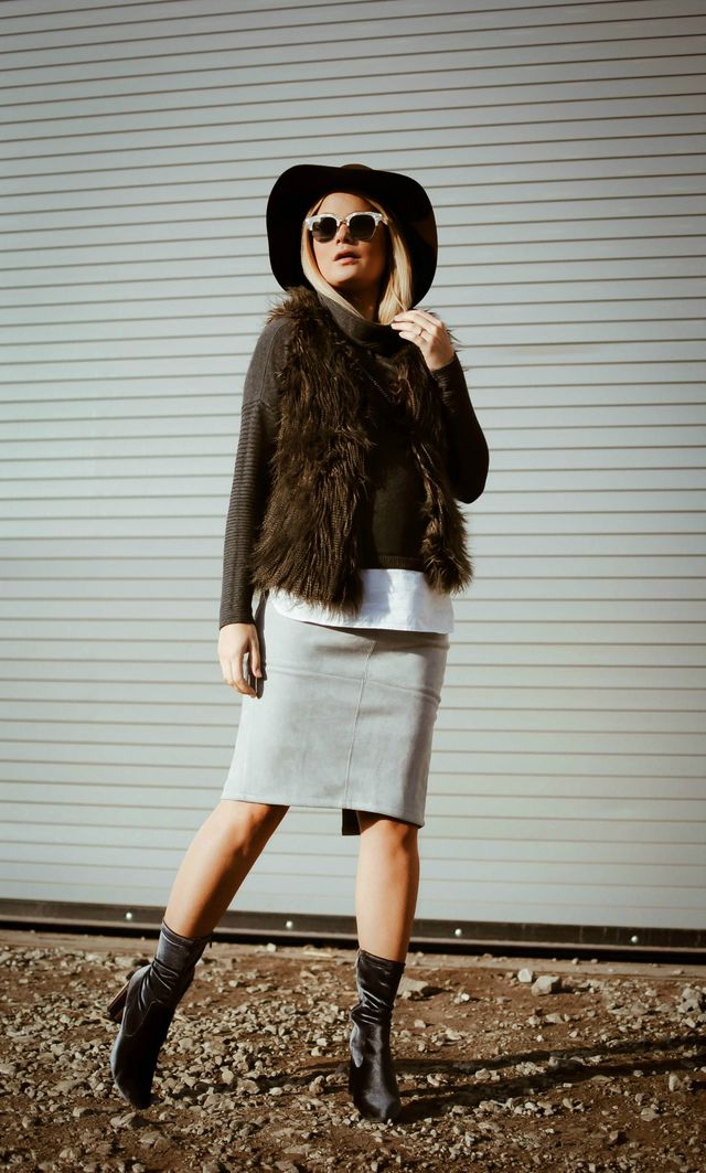 Furry vest, sweater and midi skirt for fall outfits