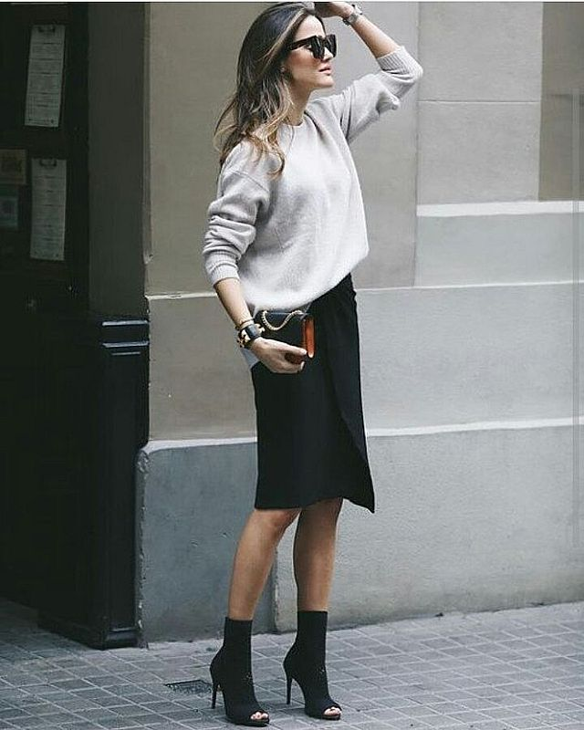 High-waist black skirt outfit