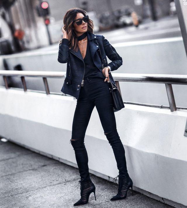 Black is the perfect color when we talk about being stylish for a winter night out