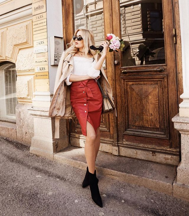 Elegant high waist red leather skirt outfit