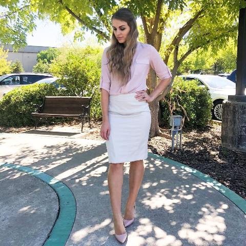 How to wear a white pencil skirt at the office