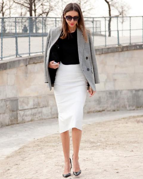 How to wear a white pencil skirt with black shoes and a black blouse