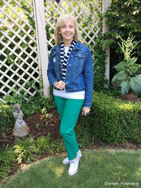Casual spring outfit for women over fifty