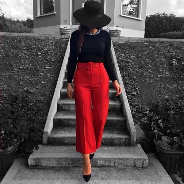 Elegant culottes outfit with high-heels shoes