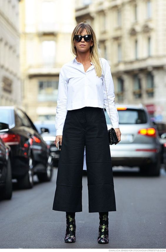 How to wear black culottes with a white shirt and high heels
