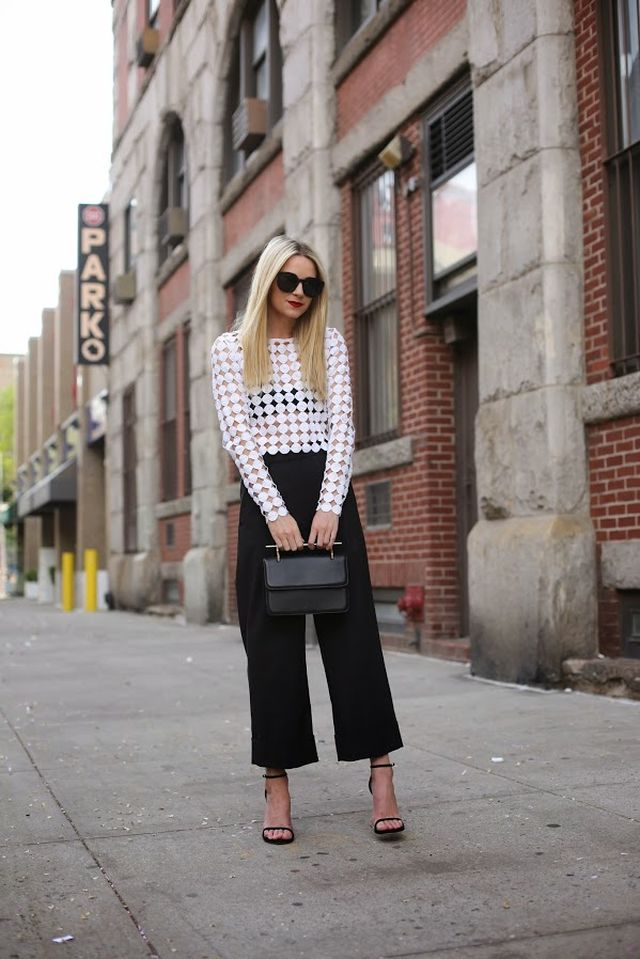 Crop lace top and black culottes outfit for this summer