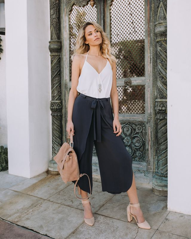 Summer black culottes outfit