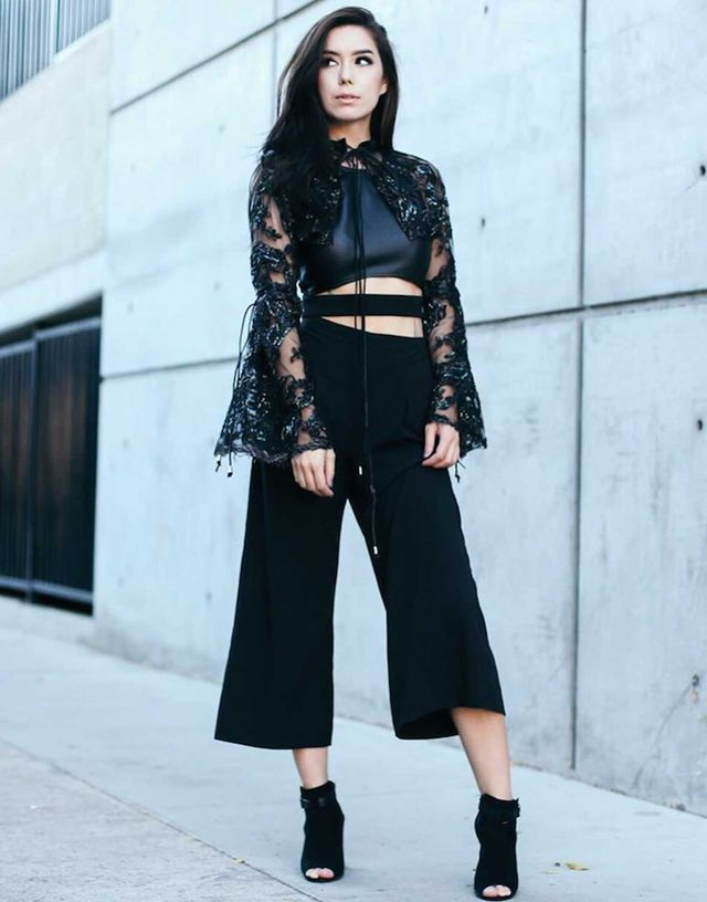 What to wear with black culottes and high heels