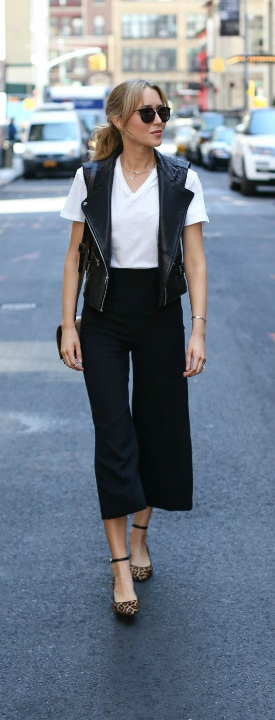 Super casual black culottes outfit