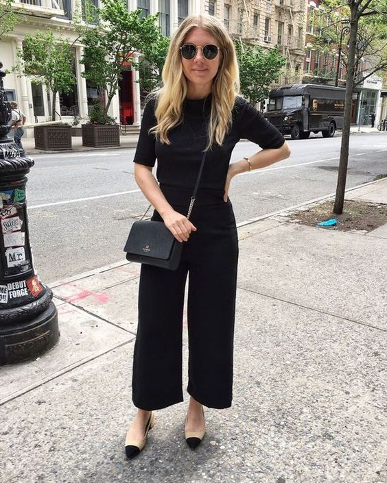 Cute black culottes outfits with black top and nude shoes