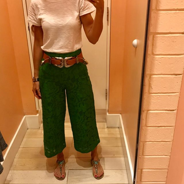 How to wear casually culottes pants with flat sandals