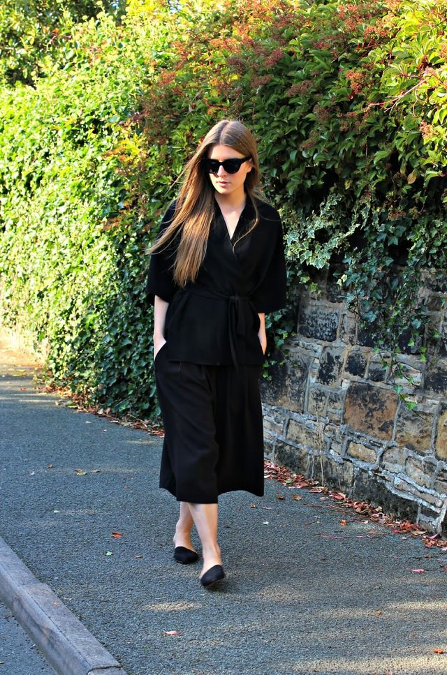 How to wear culottes with black ballerinas