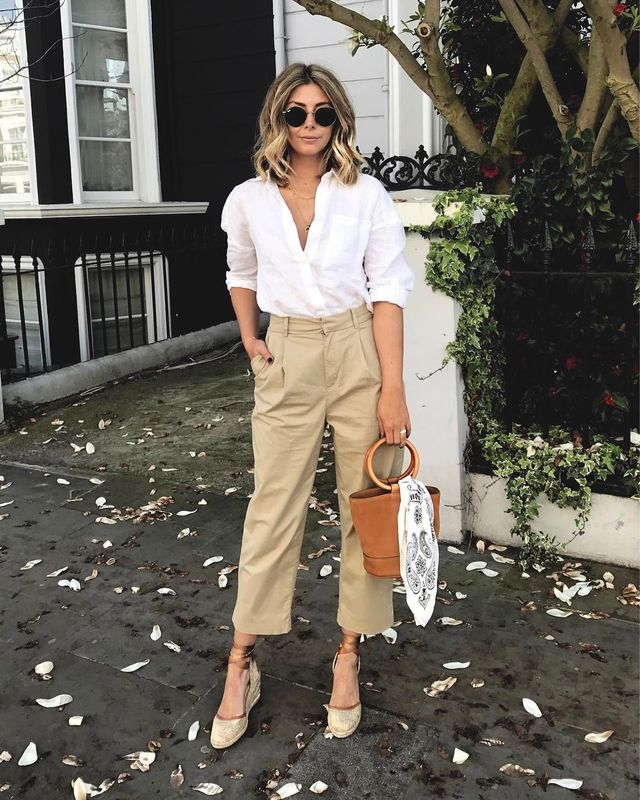 How to dress for a casual date using a white shirt, large capri pants and wedge sandals