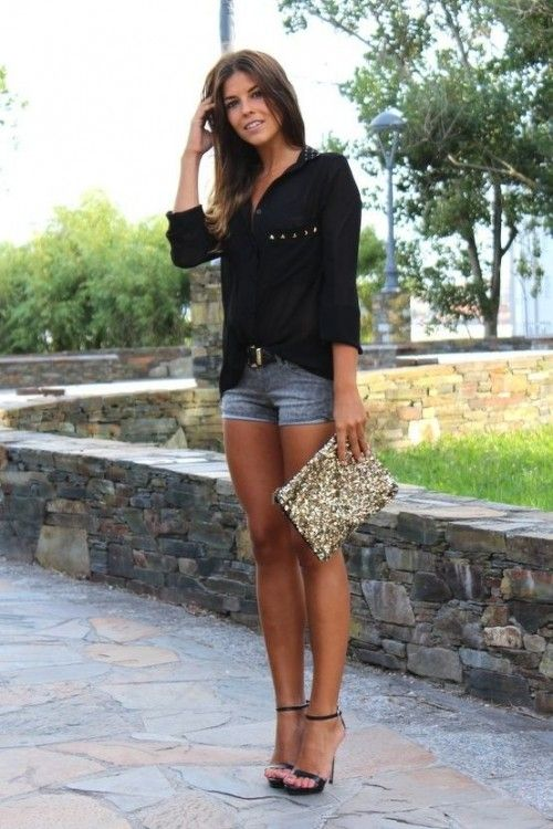 Club shorts outfits with a black shirt and high heels sandals