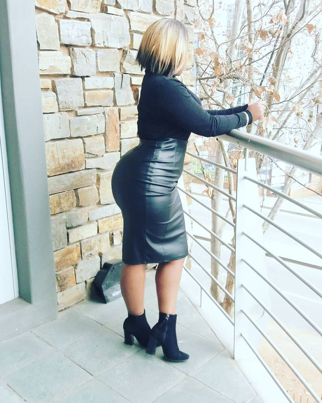 Black leather pencil skirt outfit