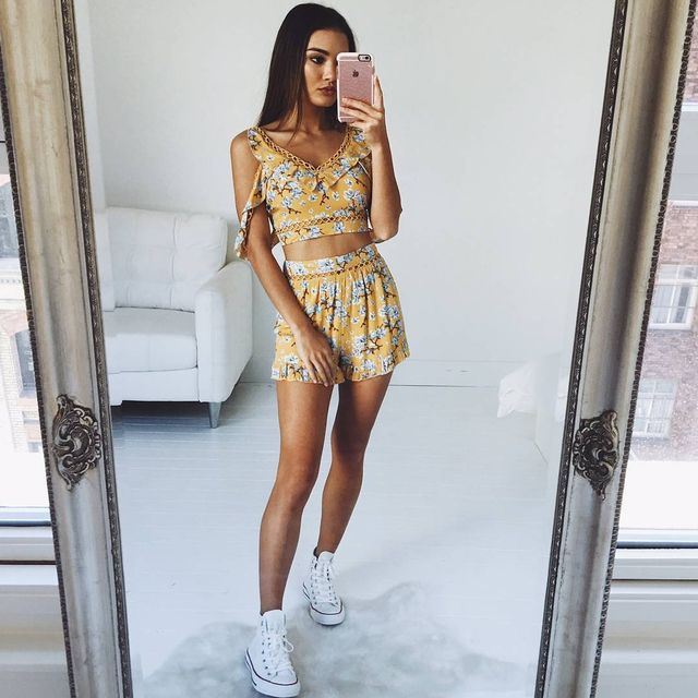Summer outfits for teenage girl | Simple outfit for summer with shorts