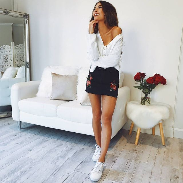 Summer outfits for teenage girl | Simple outfit with a short skirt