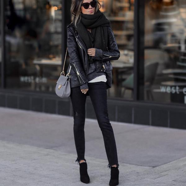 How to wear black skinny jeans and short black boots