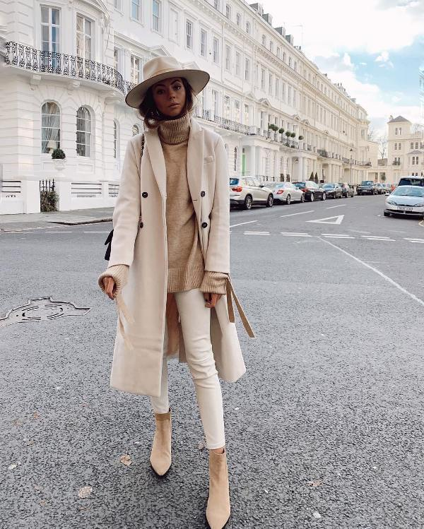 How to wear skinny jeans with abkle boots and cream long coat
