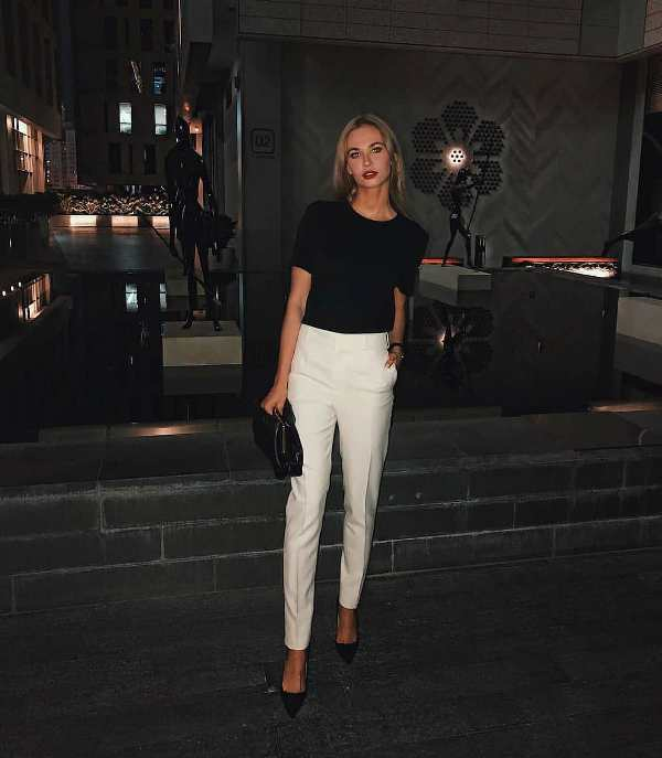 What to wear on a fisrt date to dinner with white pants