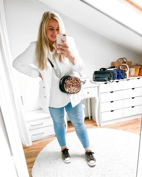 Plus Size Spring Outfit with jeans