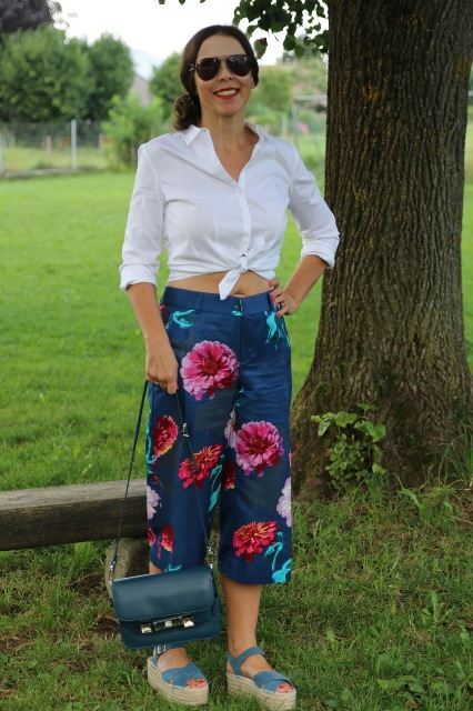 Sandals to wear with floral culottes pants