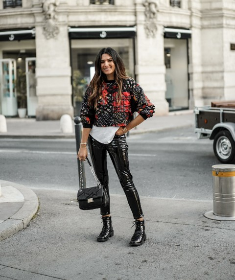 Winter club outfit with shiny leather pants